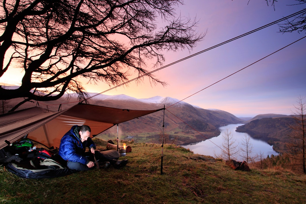 048tarping dawn raven crag thirlmere lake district