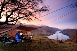 048tarping dawn raven crag thirlmere lake district