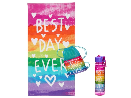 Girlsworld beach towel bottle giveaway