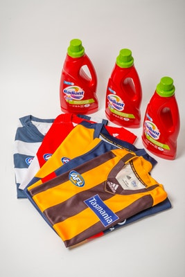 047 radiant afl guernsey and scarf competition 20160713 dsc 8756