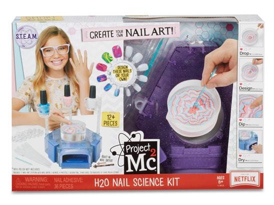 Mc2 nail art