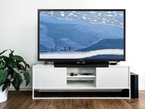 Samsung LED TV (UA24J4100AWXXY) sweepstakes
