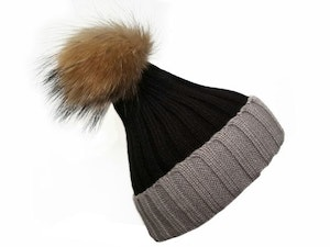 Win a feather skin pom pom women winter hat