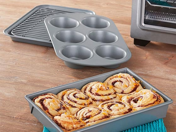 Chicago Metallic 4-Piece Toaster Oven sweepstakes
