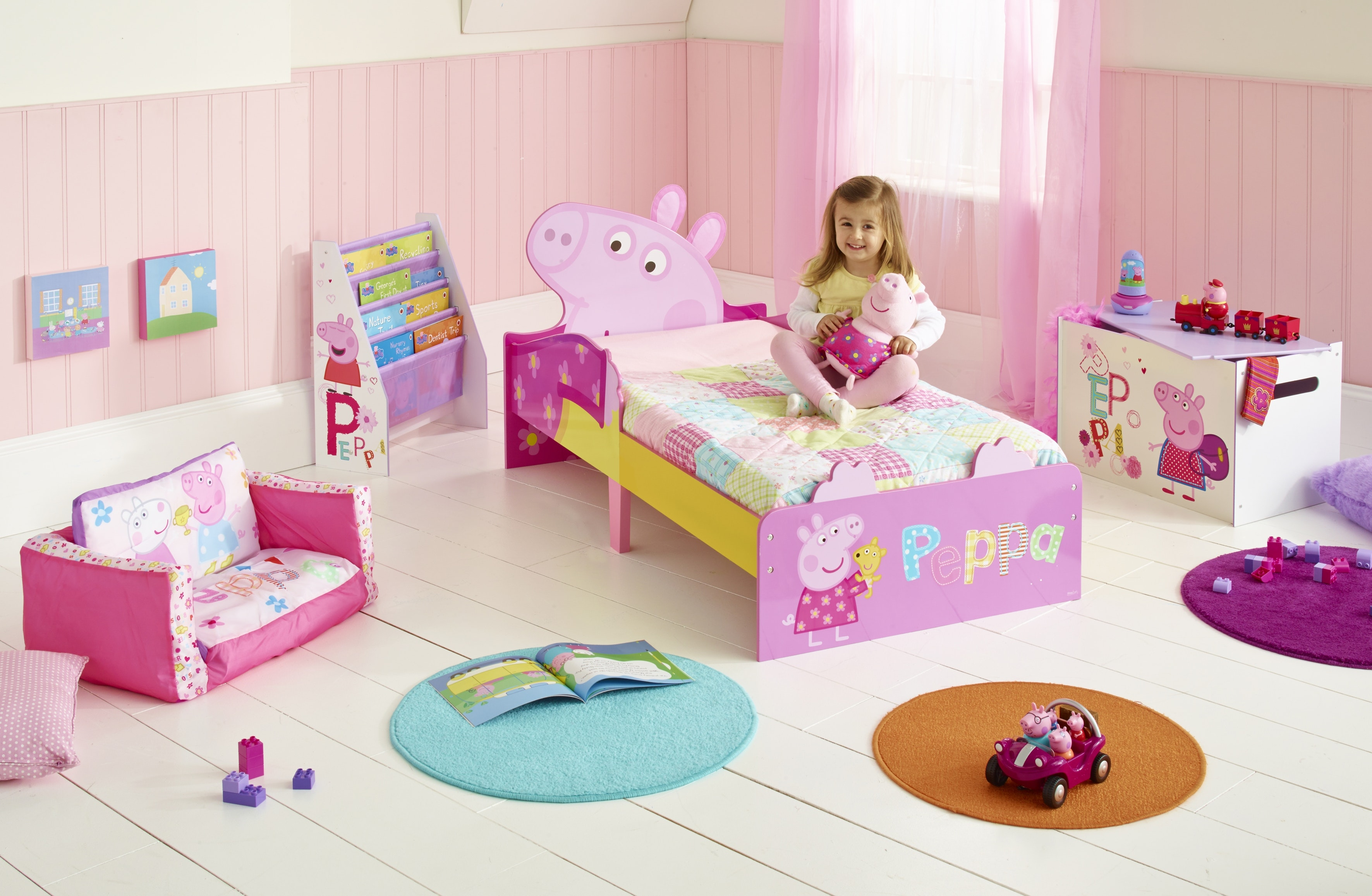 506pip01e peppa pig snuggle time toddler bed 07 jpg