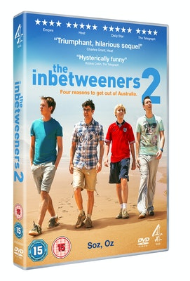 Inbetweeners2 dvd 3d holding