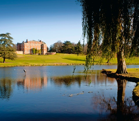 Win 328 brockethall2 480x420