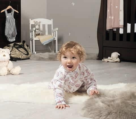 Win baby show edie crawling hero portrait 0223