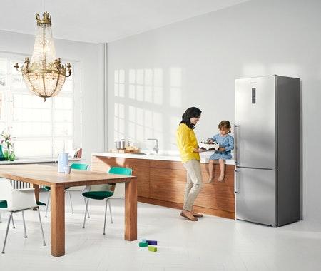 k hl gefrierkombination von panasonic gewinnen cosmopolitan. Black Bedroom Furniture Sets. Home Design Ideas